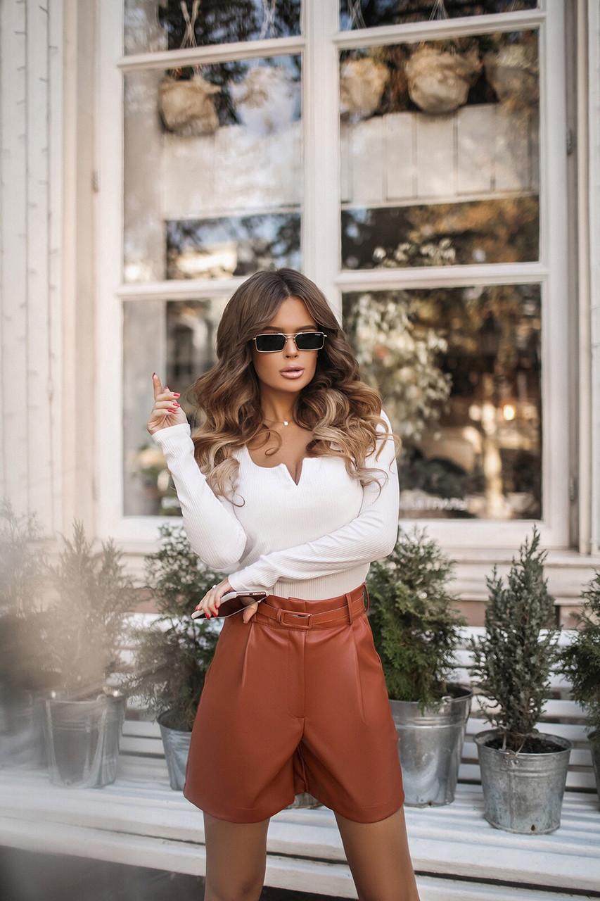 Женские стильные шорты из эко-кожи с поясом (42-46) Коричневый