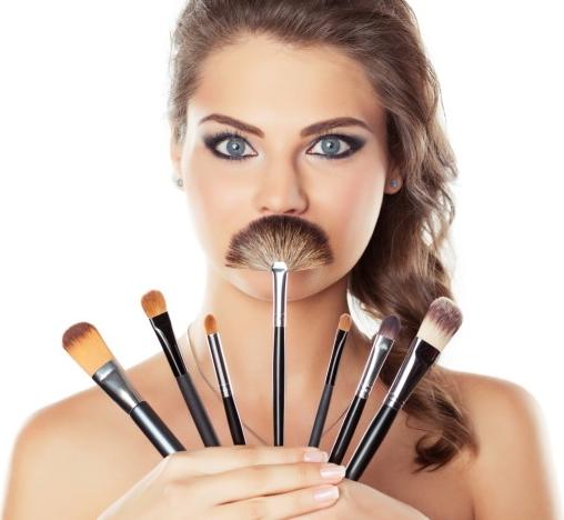 Зеркала, кисти для макияжа и аксессуары