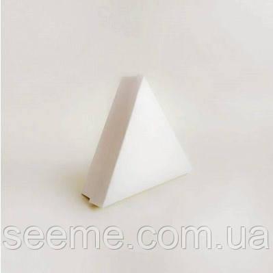Коробка подарункова для 6 цукерок 150х150х150х40 мм, колір білий