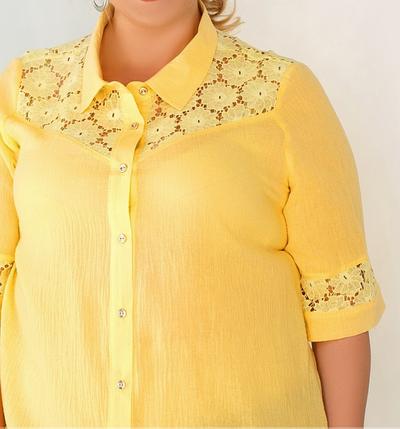 Летняя удлиненная рубашка из батиста желтого цвета с гипюром большого размера Размеры: 56-58, 60-62, фото 2