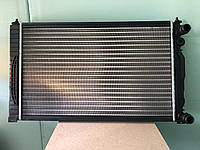 Радиатор охлаждения Audi A4/A6 (96>) VW B-5 1.6E/1.8T/1.9TDi/2.0E SK SuperB 632mm механика 8D0121251P