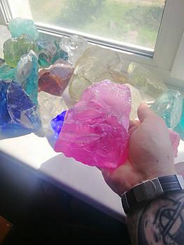 Эрклез розовый (битое стекло для габионов) кусковое стекло.