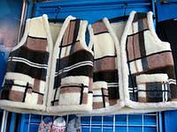 Теплая жилетка на овечьей шерсти коричневый кубики
