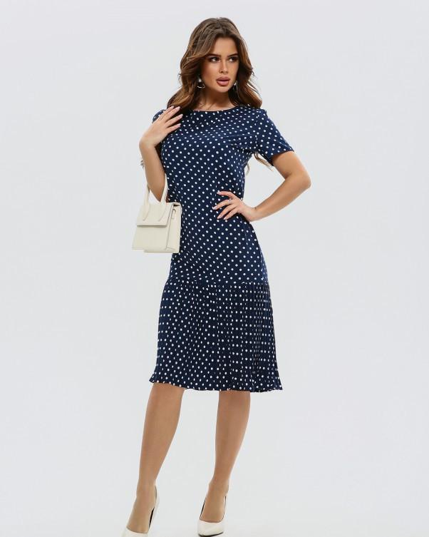 Темно-синее платье с плиссированной вставкой