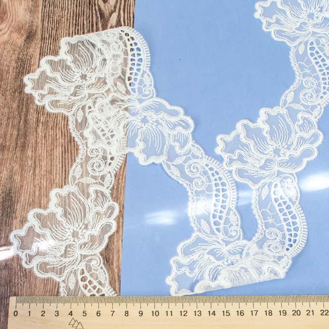 Кружево на сетке Маки белое 8 см