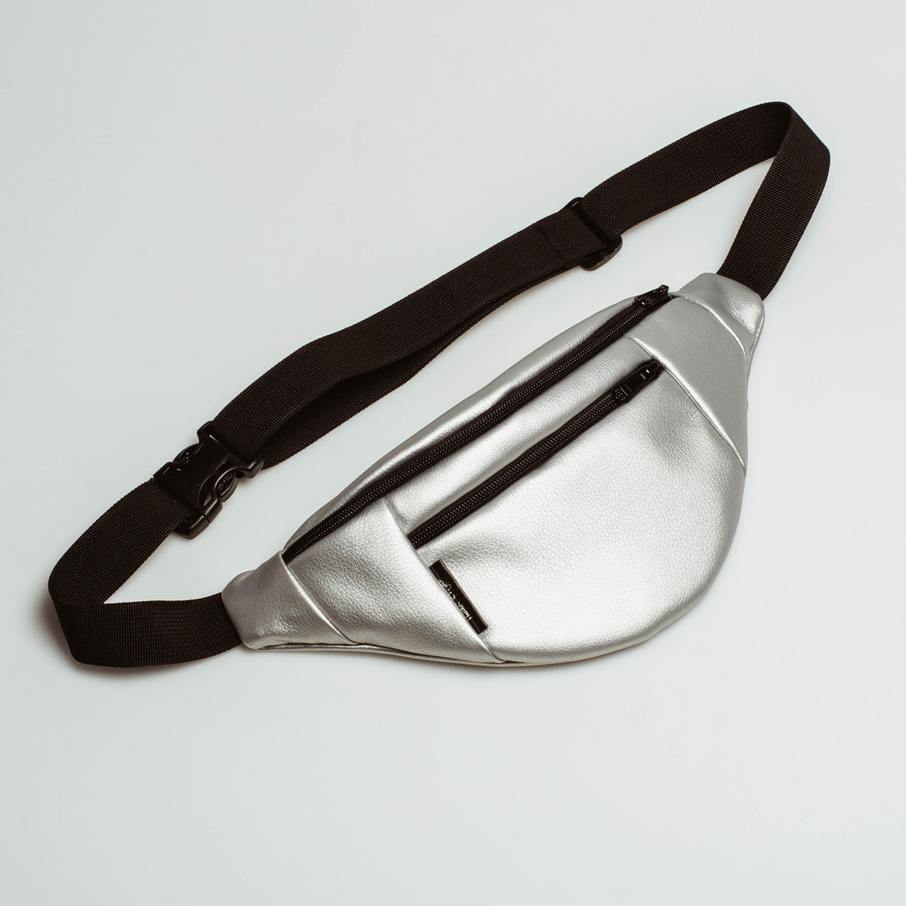 Поясная сумка кожаная Twins блестящая серебряная