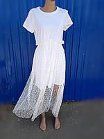 Белое платье-футболка с юбкой сеткой с кружевом