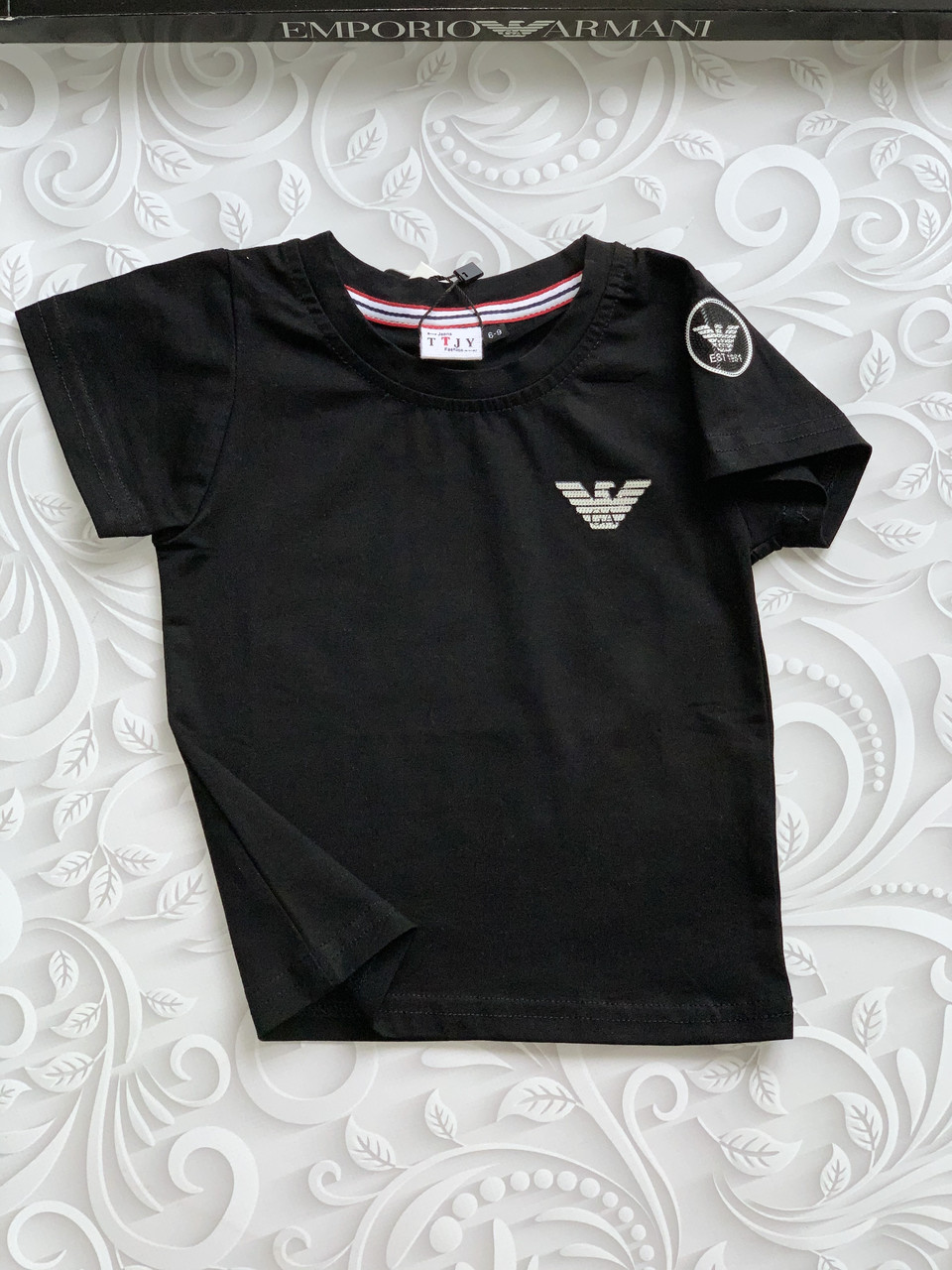 Черная детская футболка Armani