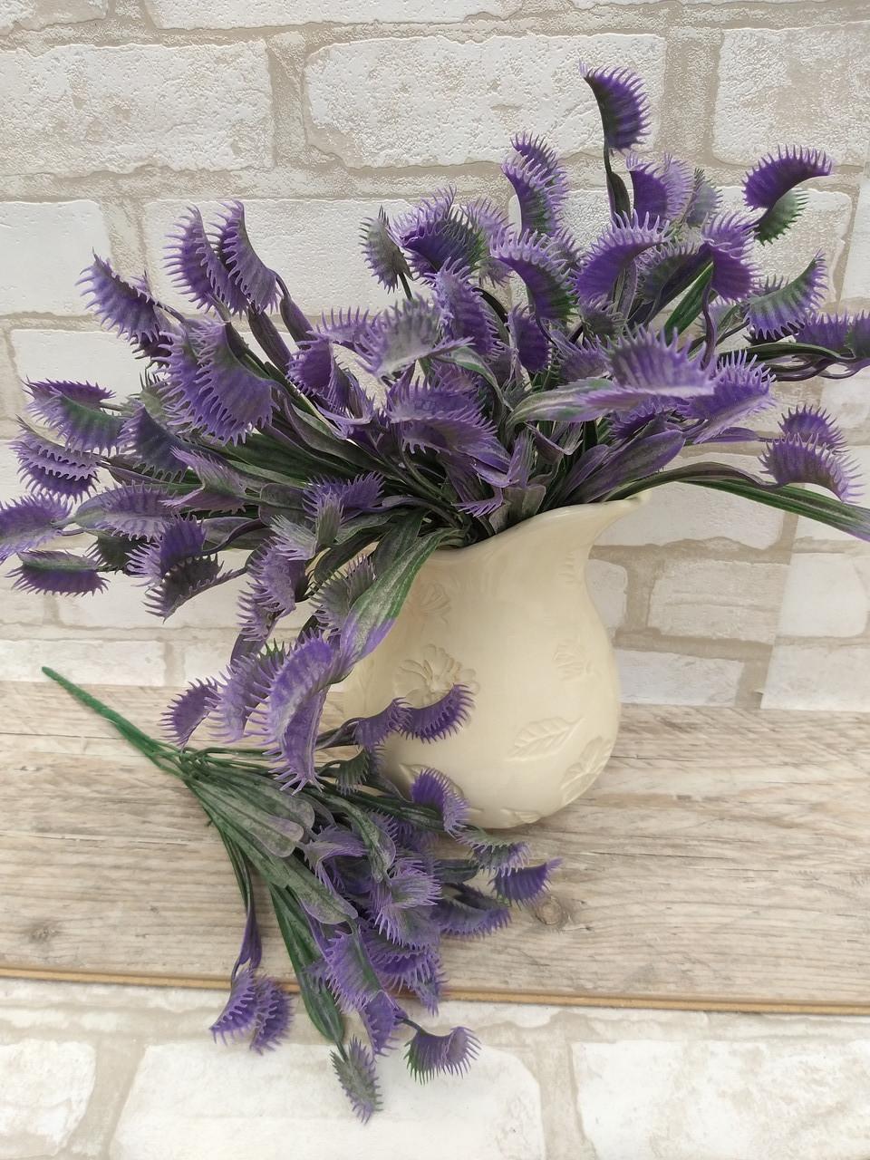 Мухоловка фіолетова, висота гілки 32 см, 40\35 (ціна за 1 шт. + 5 гр.)