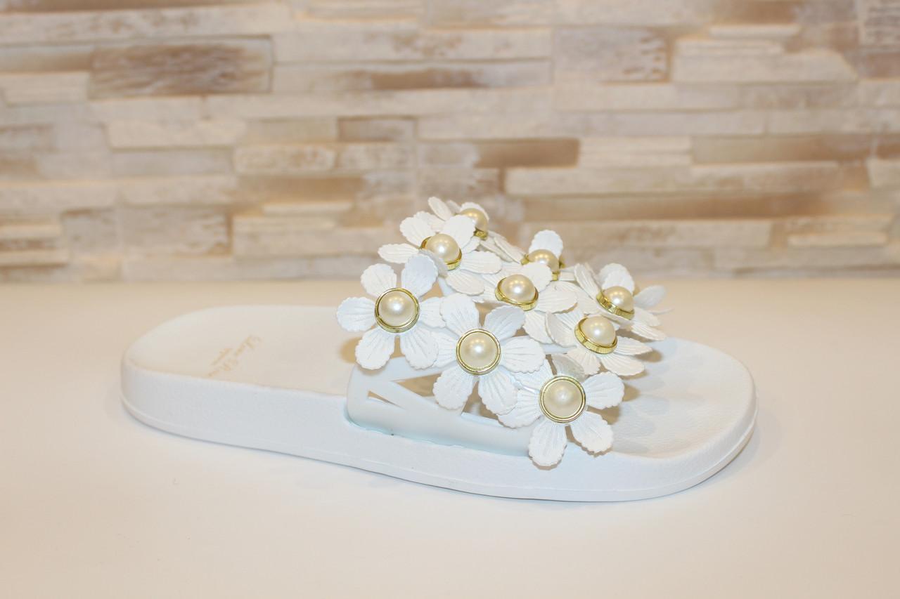 Шлепанцы женские белые с цветами Б524
