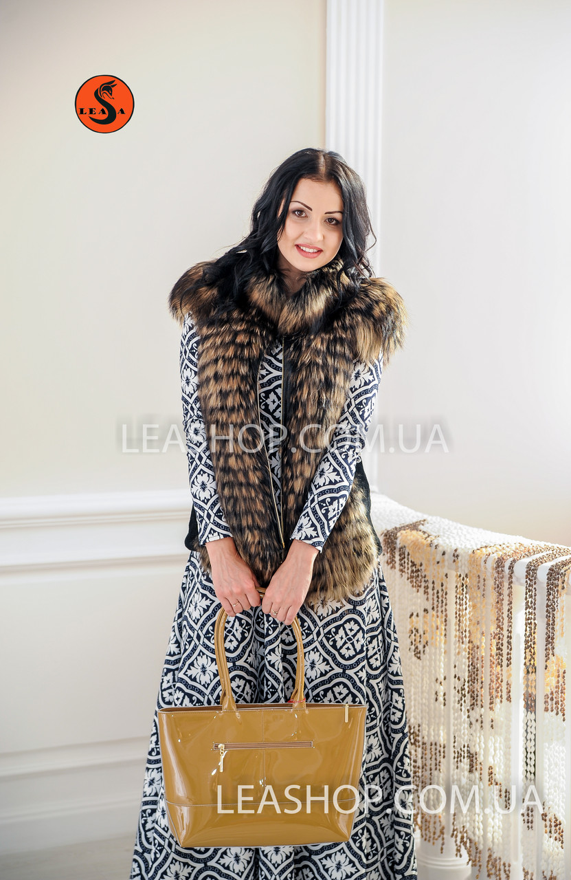 Молодежный жилет для девушек из натурального меха енота