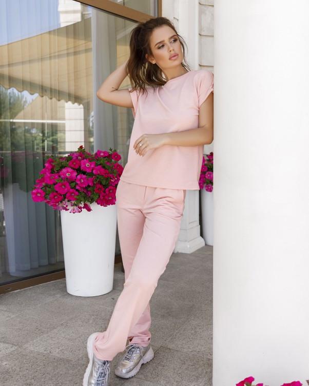 Розовый трикотажный спортивный костюм с напылением