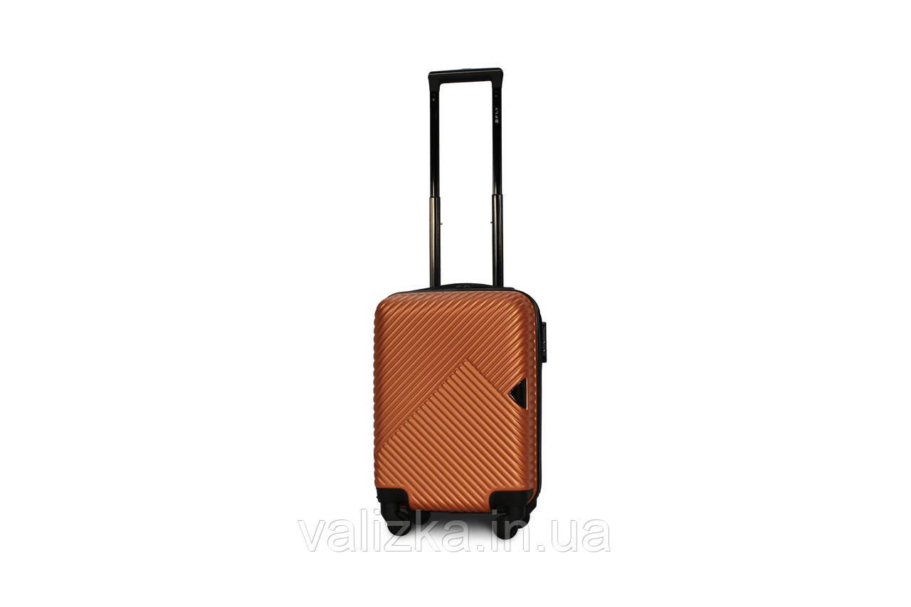 Пластиковый чемодан маленький для ручной клади оранжевый Fly 2702