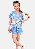 Детскийкостюм  выполнен из тонкого летнего джинса с вышивкой,