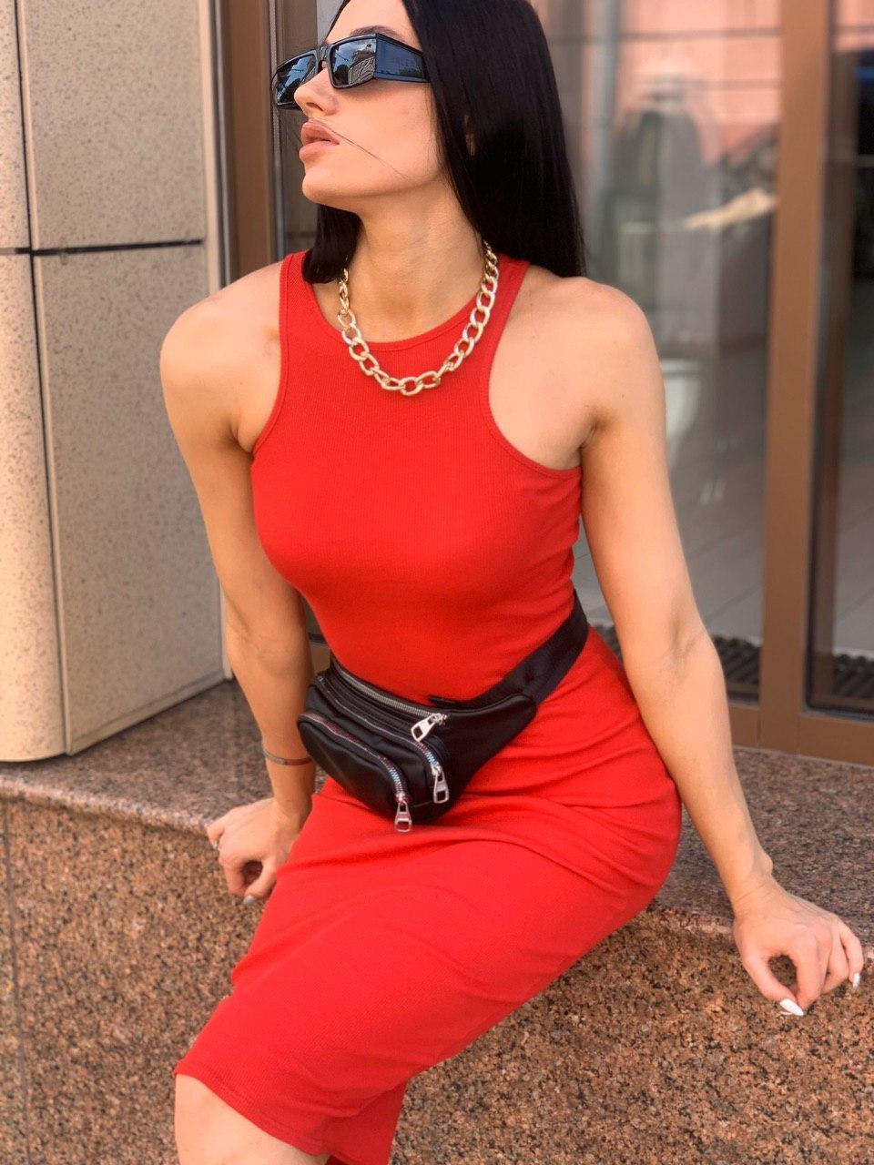 Стильное платье-резинка