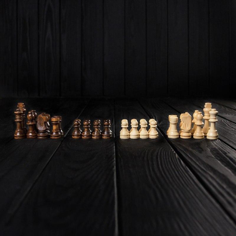 Набор маленьких шахматных фигур из дерева ручной работы STRYI