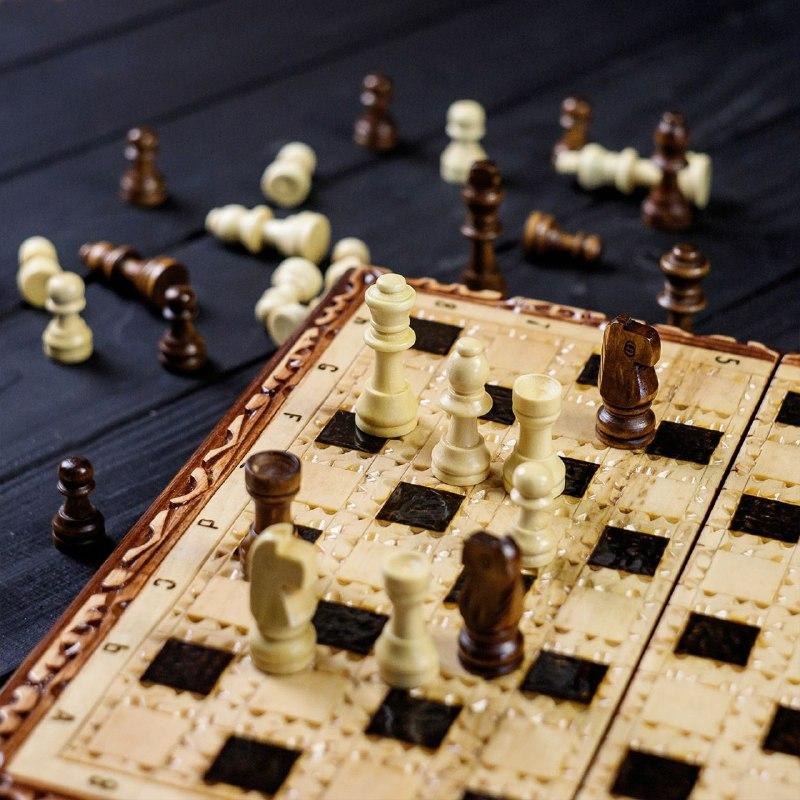 Набор маленьких шахматных фигур из дерева ручной работы STRYI, фото 2