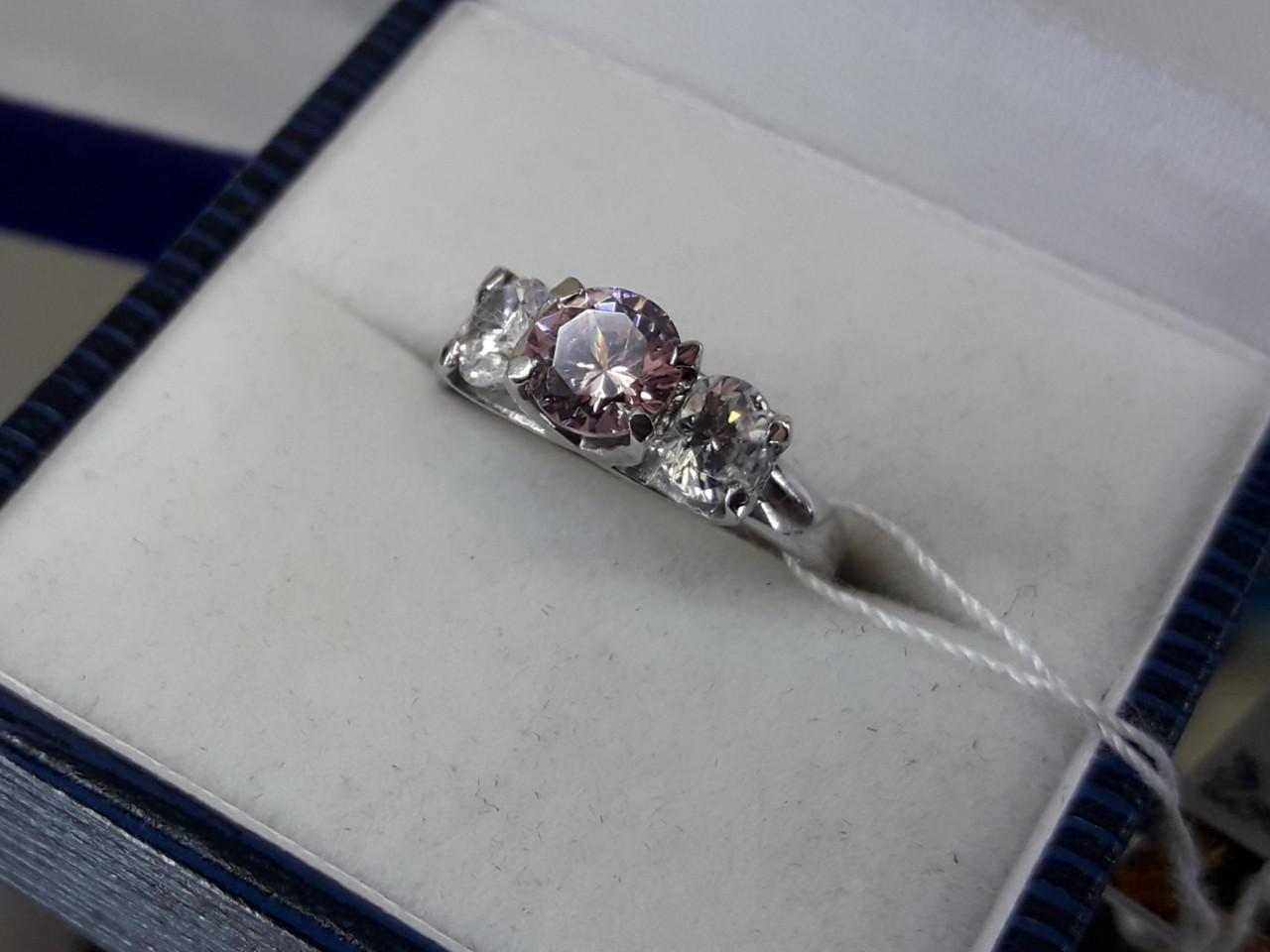 Серебряное кольцо с розовым кубическим цирконием