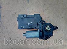 Стеклоподъемник ( мотор ) задний левый  Audi A-4 B-6  8E0 959 801 A , 5WK4 7009 BBF , Bosch 0 130 821 767