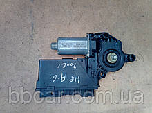 Стеклоподъемник ( мотор ) задний правый  Audi A-4 B-6  8E0 959 802 A , 5WK4 7011 BBF , Bosch 0 130 821 766