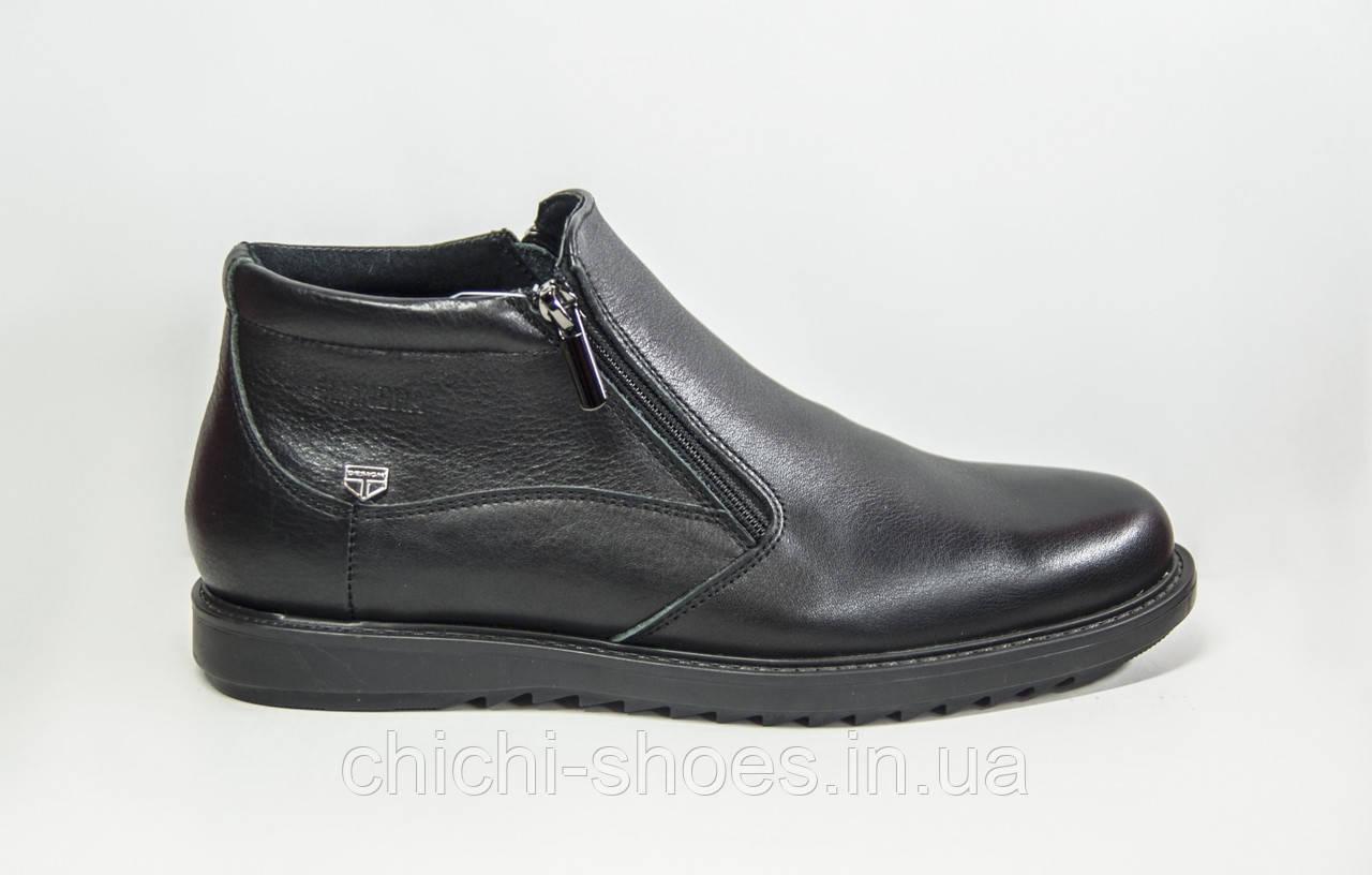 Ботинки мужские зимние KONORS 110-7-1 чёрные кожа (последний 40 размер)