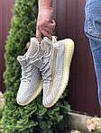 Чоловічі кросівки Yeezy Boost (світло-сірі з бежевим) 9555, фото 2