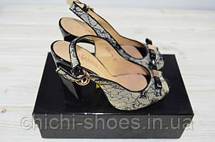 Босоножки женские Blizzarini 25-014 чёрно-бежевые кожа-текстиль каблук