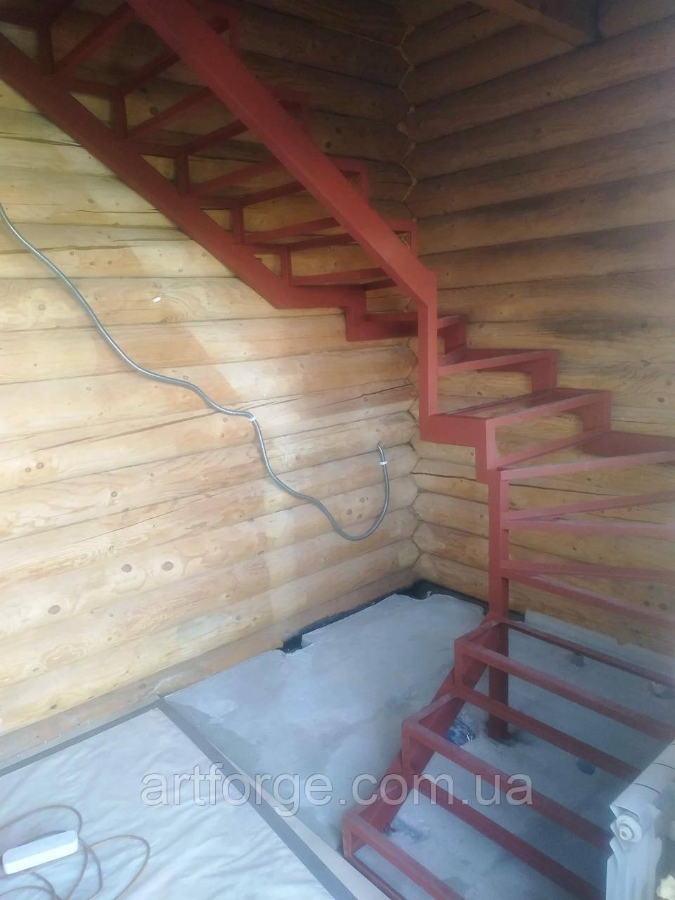 Каркас сходів під обшивку, поворотними, забіжними ступенями.