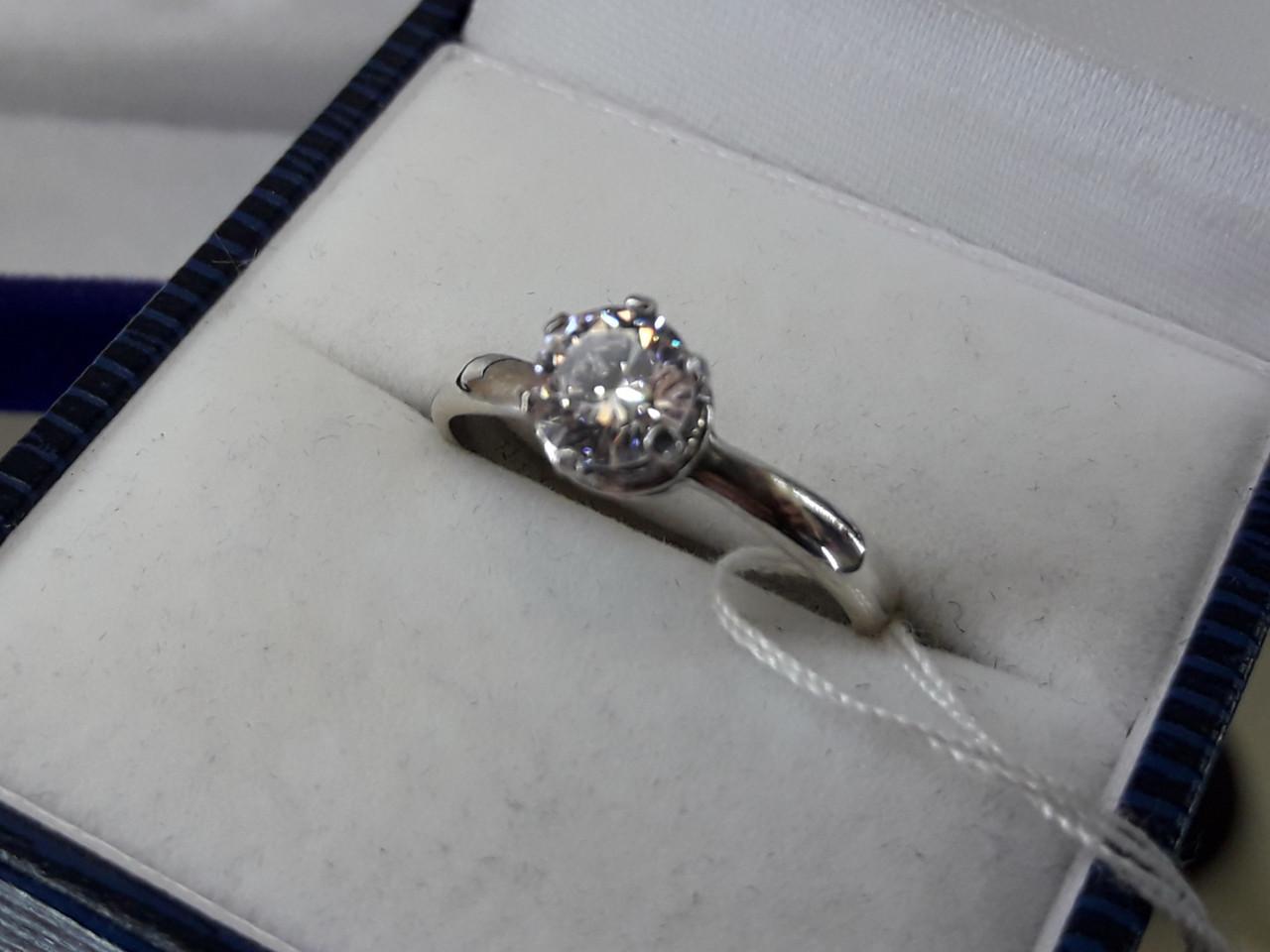 Серебряное кольцо с кубическим цирконием