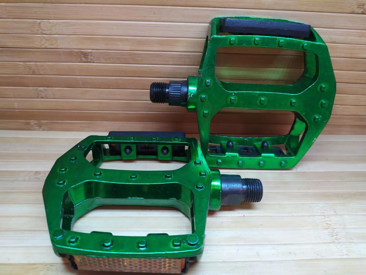 Педали на MTB широкие алюминиевые зеленые
