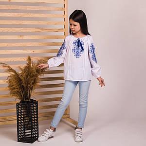 Блуза для дівчинки Соломійка з синьою вишивкою