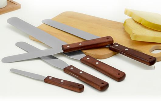 Набори ножів та кухонних приналежностей з нержавіючої сталі