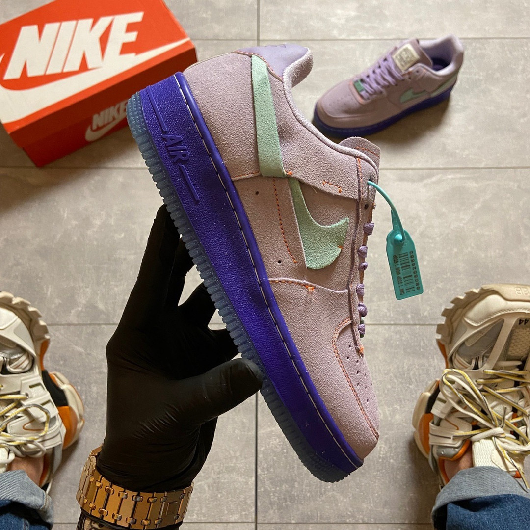 """Жіночі кросівки Nike Air Force 1 LXX """"Purple Agate""""."""