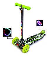 +Подарок Детский самокат MAXI Scooter Зеленые надписи. Светящиеся колеса! от 3-х лет.
