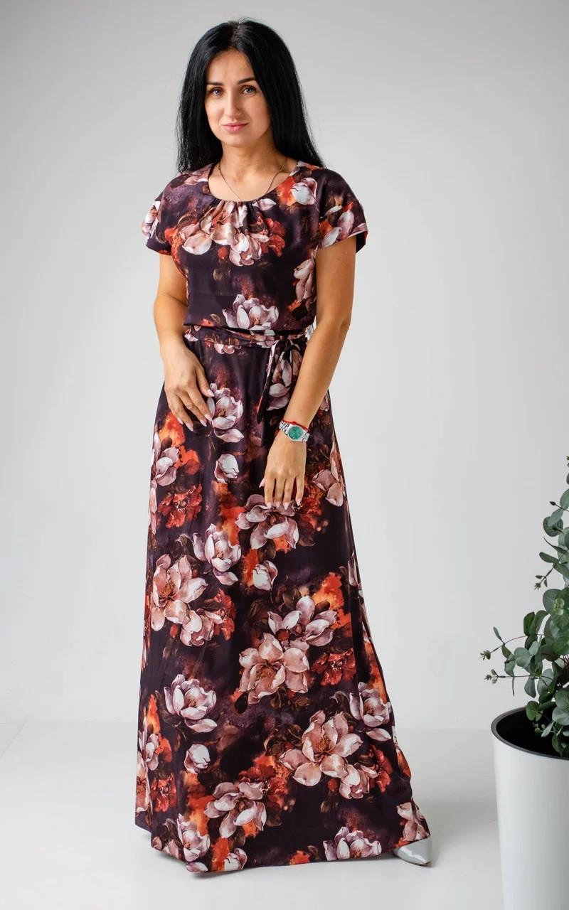 Длинное платье с цветочным рисунком