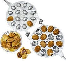 Горішниця форма для випічки горішків на 16 половинок горіхів