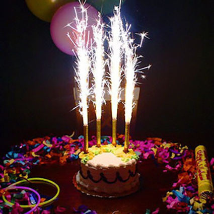 ФЕЙЕРВЕРК ДЛЯ ТОРТА 4 ШТ ВРЕМЯ 40СЕКУНД (фейерверк в торт, свечи, фонтаны) MF-001