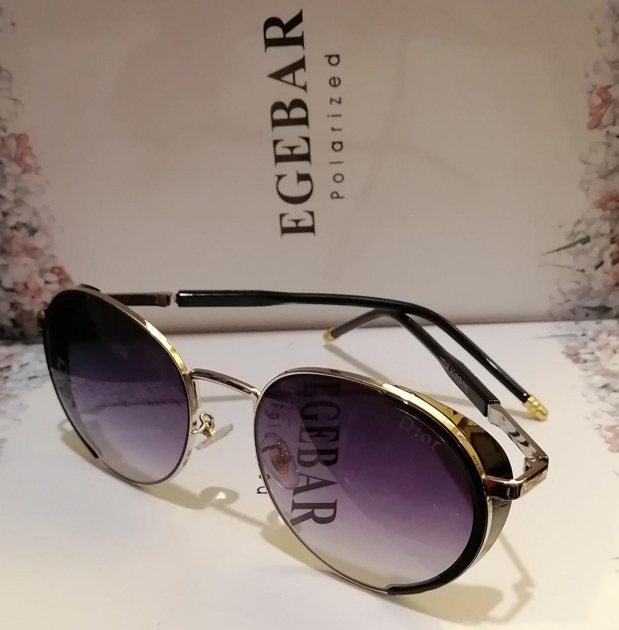 Брендовые солнцезащитные, женские очки, с боковинками, дымчатая линза. Овал
