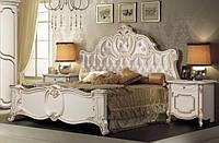 Классическая кровать Лорена с тумбами
