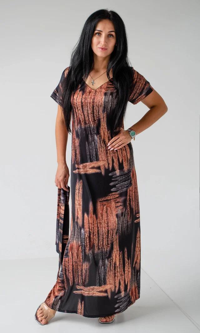 Красивое женское платье свободным кроем
