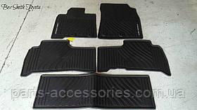 Комплект гумових килимків для Toyota Land Cruiser 200 нові оригінал