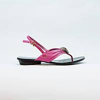 Сандали женские через палец розовые из натуральной кожи на низком каблуке, фото 1