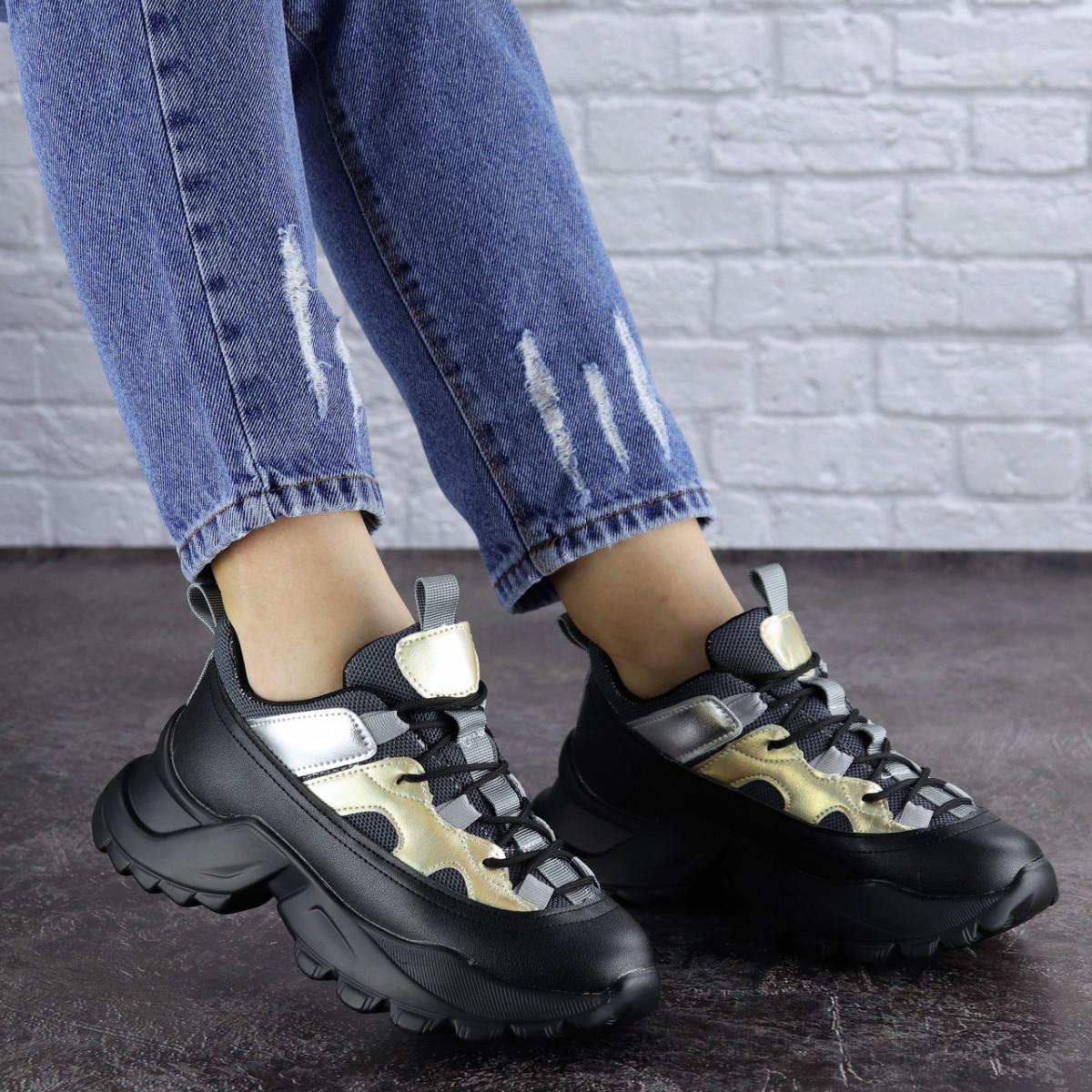 Женские черные кроссовки Button 1745
