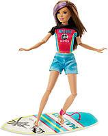 Кукла Барби Оригинал с доской для серфинга и аксессуарами (GHK36)