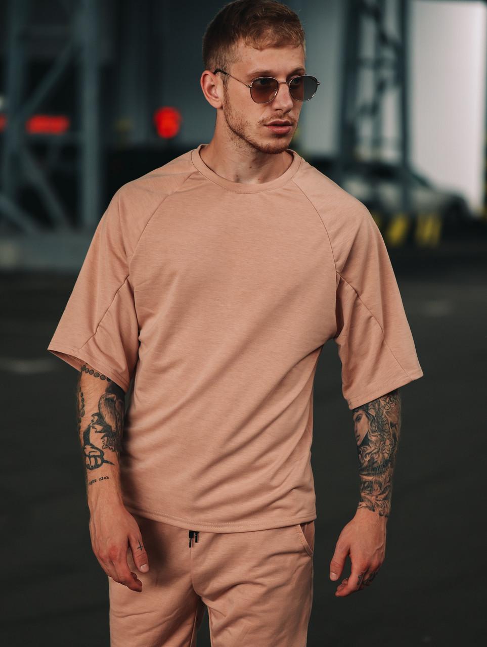Мужской костюм футболка и шорты