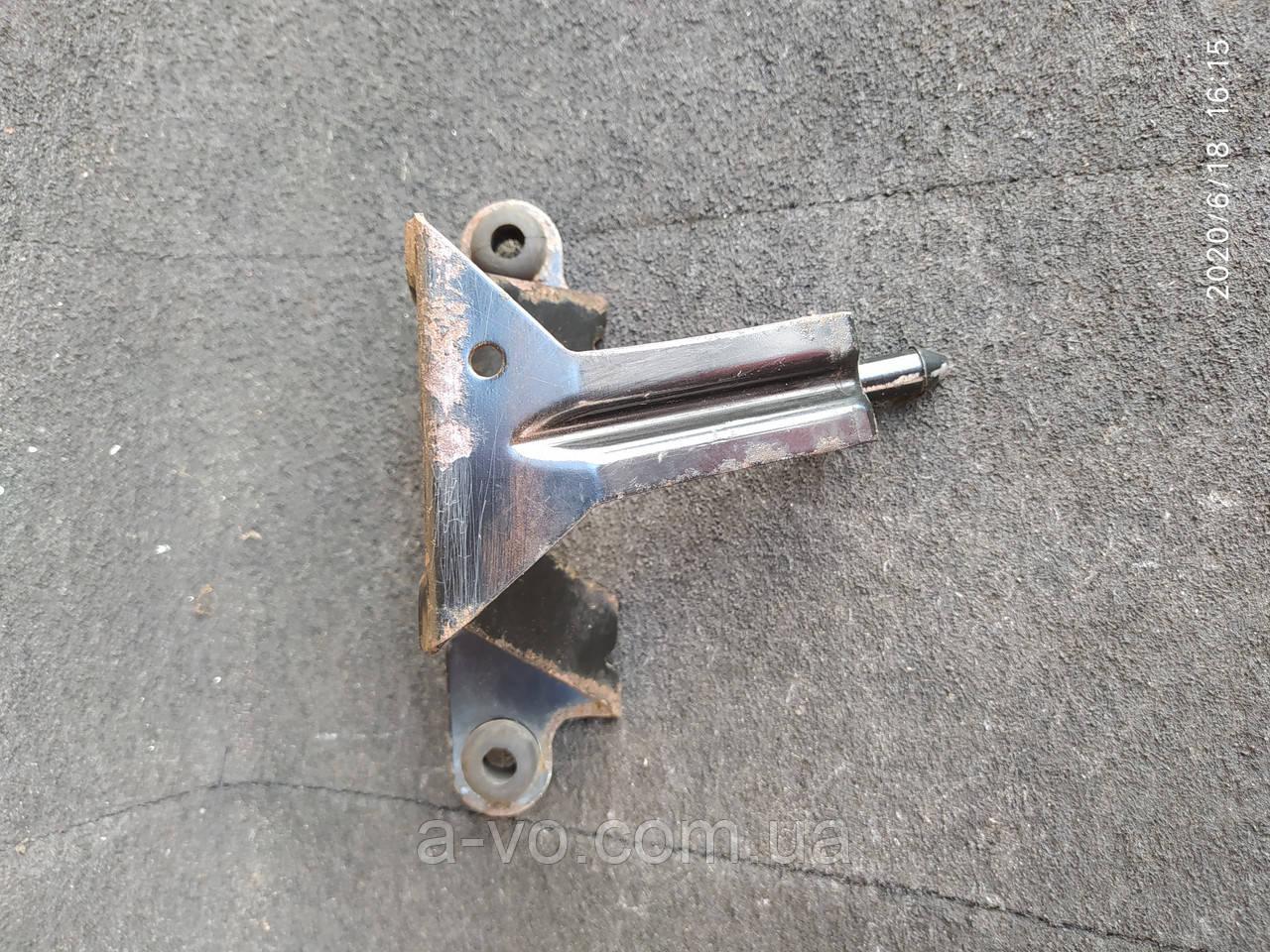 Кронштейн крепления блока управления ABS Ford Transit  6c11-2b389-aa