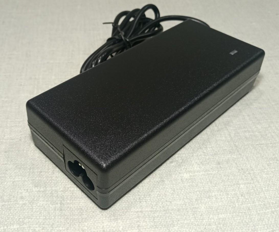 Блок питания NoName для ноутбука Toshiba 15V 6A 90W 6.3x3.0