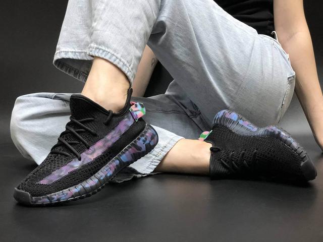 Кроссовки Adidas Yeezy Boost 350 V2 Black Blue Camo Reflective фото