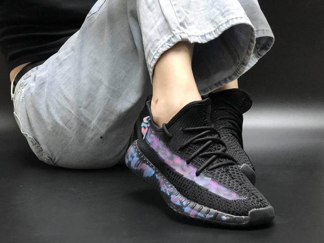 Кроссовки Adidas Yeezy Boost 350 V2 Black Blue Camo фото