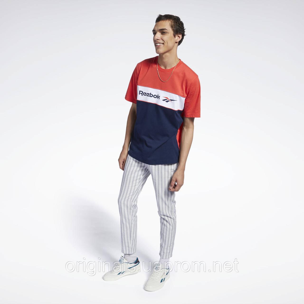 Хлопковая футболка Reebok Classics Linear FJ3346 для парней и мужчин М трехцветная